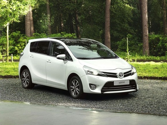Facelift fuer toyota verso 001