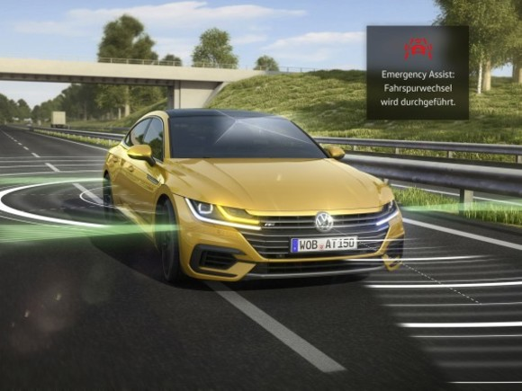 VW Arteon mit neuem Emergency Assist