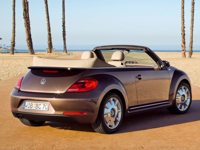 das neue vw beetle cabrio fahrbericht auto. Black Bedroom Furniture Sets. Home Design Ideas