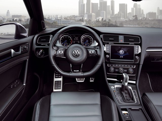 Premiere fuer vw golf r variant 003
