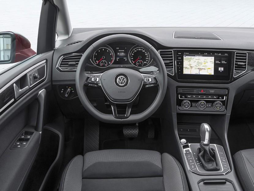 der vw golf sportsvan im neuen modelljahr auto motor. Black Bedroom Furniture Sets. Home Design Ideas