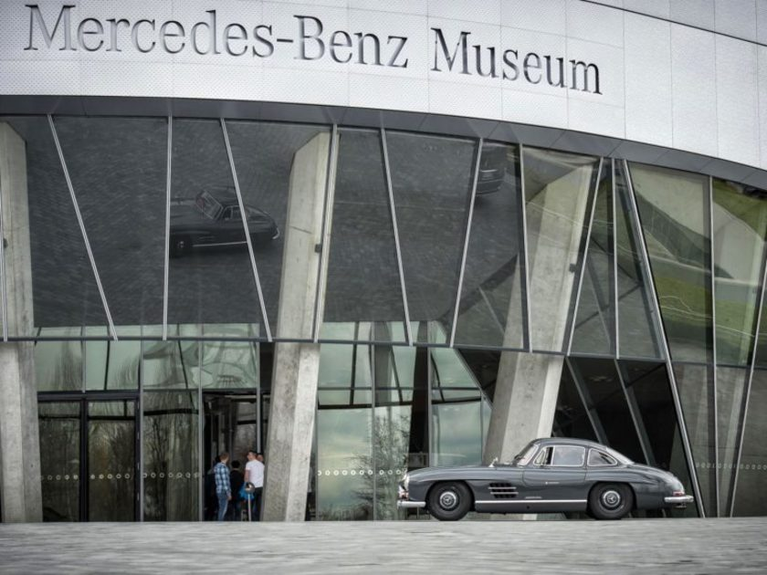 Mercedes 300 sl club stuttgart
