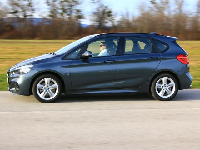 bmw 220d xdrive active tourer im test auto. Black Bedroom Furniture Sets. Home Design Ideas