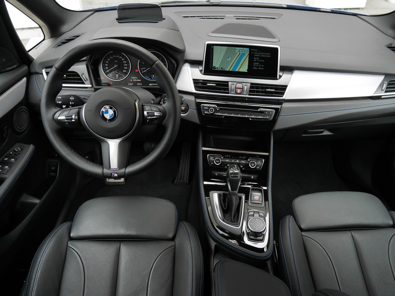 foto bmw 225xe active tourer testbericht vom. Black Bedroom Furniture Sets. Home Design Ideas