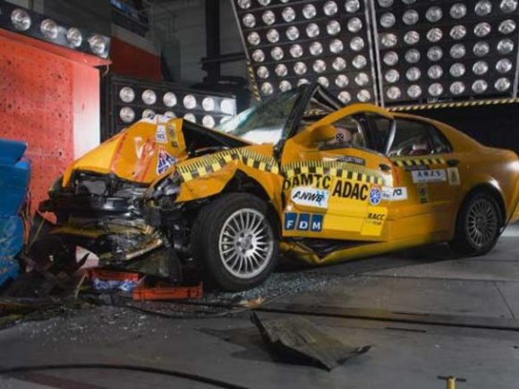 Brilliance BS6 : China-Limousine im Crashtest schlecht
