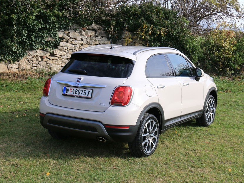 fiat 500x cross plus testbericht auto. Black Bedroom Furniture Sets. Home Design Ideas