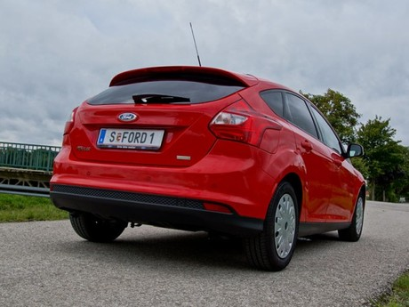 Ford focus 1 0 ecoboost 100 ps trend testbericht 011