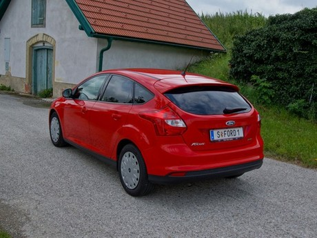Ford focus 1 0 ecoboost 100 ps trend testbericht 013