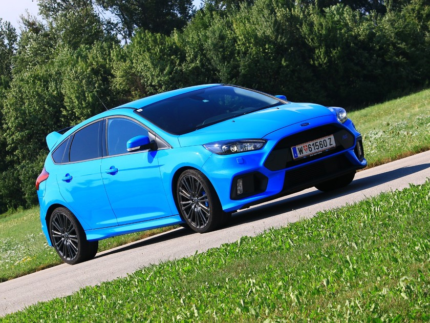 ford focus rs mit 350 ps testbericht auto. Black Bedroom Furniture Sets. Home Design Ideas