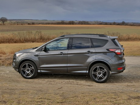 Ford kuga 2 0 tdci 150 ps at awd st line testbericht 015