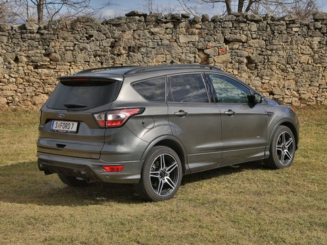 Ford kuga 2 0 tdci 150 ps at awd st line testbericht 022