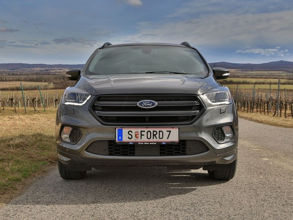Ford kuga 2 0 tdci 150 ps at awd st line testbericht 023