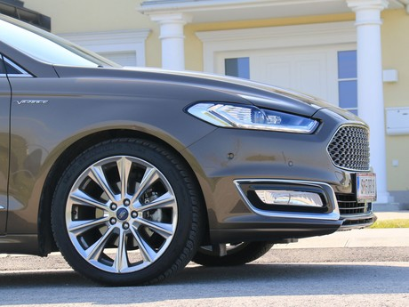 Ford mondeo vignale traveller 2 0 tdci at awd testbericht 020