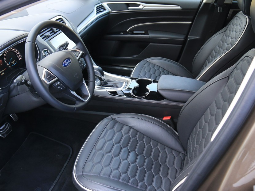 Ford Mondeo Vignale Traveller