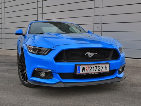 Ford mustang fastback 5 0 gt blue edition testbericht 012