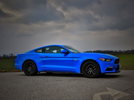 Ford mustang fastback 5 0 gt blue edition testbericht 014