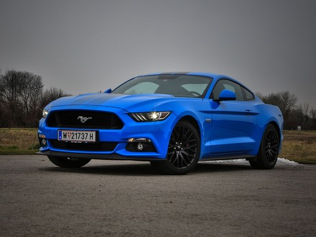 Ford mustang fastback 5 0 gt blue edition testbericht 015