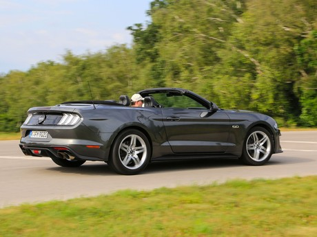 Ford mustang 5 0 v8 at cabrio testbericht 009