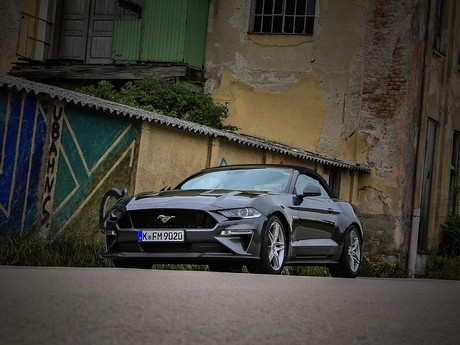 Ford mustang 5 0 v8 at cabrio testbericht 010