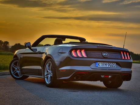 Ford mustang 5 0 v8 at cabrio testbericht 013