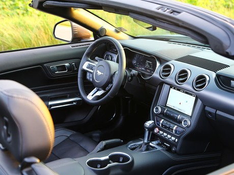 Ford mustang 5 0 v8 at cabrio testbericht 017