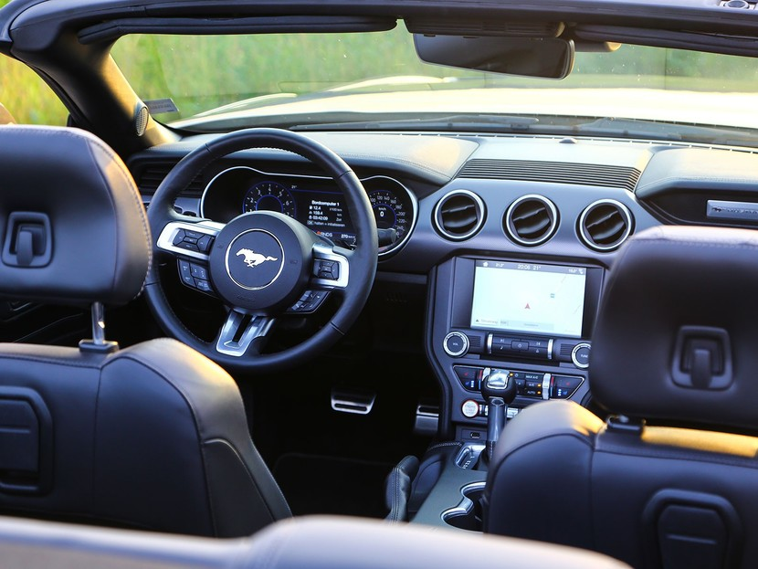 Testbericht: Ford Mustang Cabrio mit 450 PS ::: auto-motor.at :::
