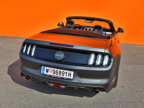 Ford mustang v8 at convertible testbericht 002
