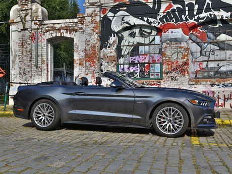 Ford mustang v8 at convertible testbericht 003