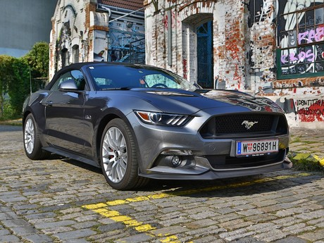 Ford mustang v8 at convertible testbericht 009