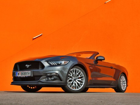 Ford mustang v8 at convertible testbericht 013
