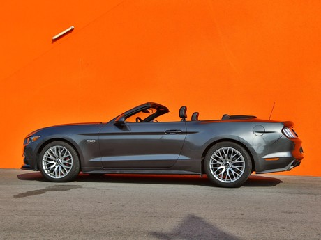 Ford mustang v8 at convertible testbericht 014