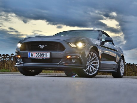 Ford mustang v8 at convertible testbericht 016