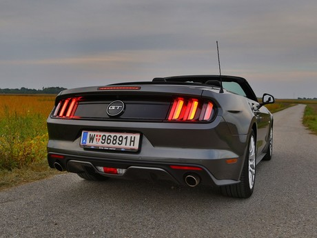 Ford mustang v8 at convertible testbericht 021