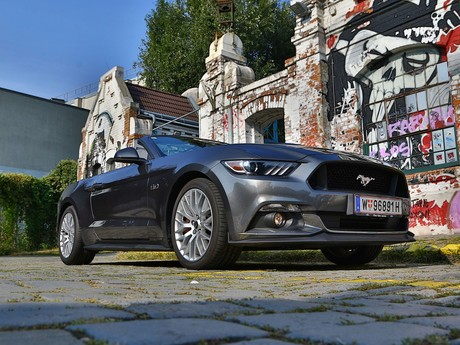 Ford mustang v8 at convertible testbericht 026