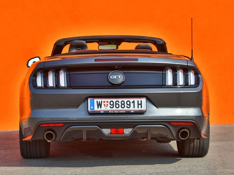 Ford mustang v8 at convertible testbericht 027