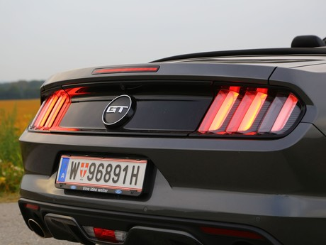 Ford mustang v8 at convertible testbericht 028
