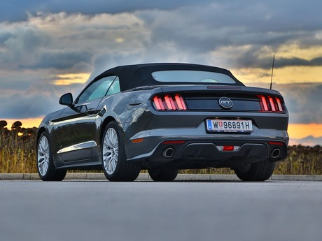 Ford mustang v8 at convertible testbericht 039