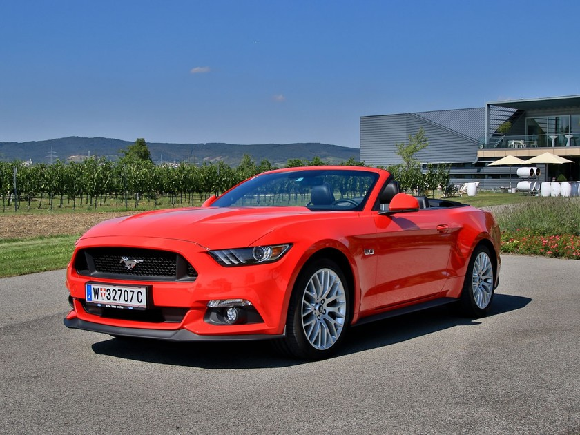 ford mustang v8 cabrio testbericht auto. Black Bedroom Furniture Sets. Home Design Ideas