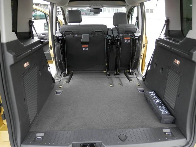 ford tourneo connect 1 6 tdci testbericht auto. Black Bedroom Furniture Sets. Home Design Ideas