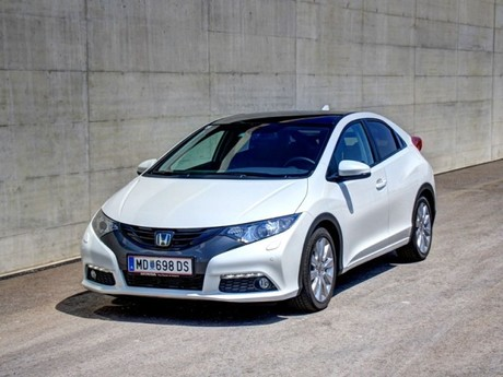 Honda civic 1 8 i vtec executive at testbericht 001