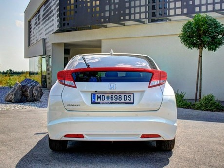 Honda civic 1 8 i vtec executive at testbericht 002