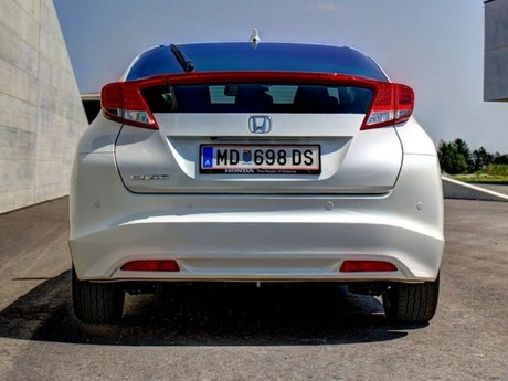 Honda civic 1 8 i vtec executive at testbericht 015