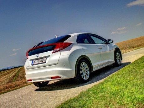 Honda civic 1 8 i vtec executive at testbericht 019