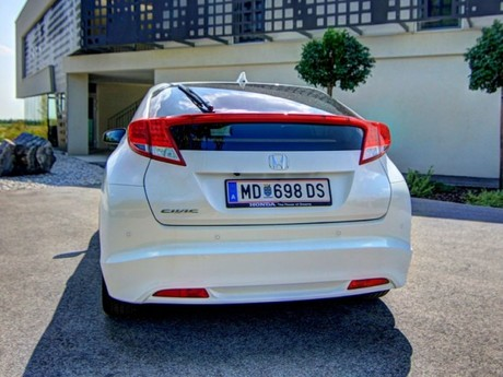 Honda civic 1 8 i vtec executive at testbericht 027