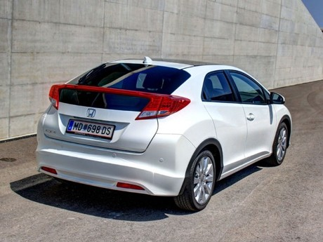 Honda civic 1 8 i vtec executive at testbericht 034