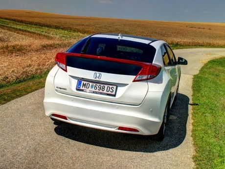 Honda civic 1 8 i vtec executive at testbericht 038