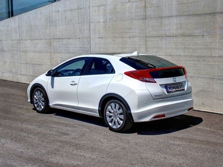 Honda civic 1 8 i vtec executive at testbericht 042