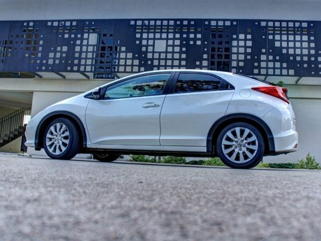 Honda civic 1 8 i vtec executive at testbericht 045