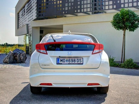 Honda civic 1 8 i vtec executive at testbericht 047