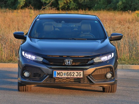 Honda civic 1 0 vtec turbo cvt executive testbericht 001